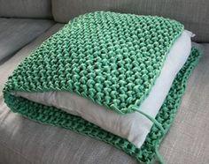 Gebreid-breien-kussen-lounge-groen-makkelijk.jpg (300×237)