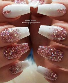 Want some ideas for wedding nail polish designs? This article is a collection of our favorite nail polish designs for your special day. Read for inspiration Gold Acrylic Nails, White Glitter Nails, Rose Gold Nails, Diamond Nails, Gold Coffin Nails, Clean Nails, Fun Nails, Pretty Nails, Ongles Or Rose