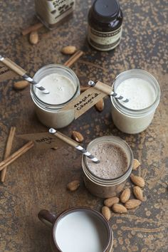 Lots of flavors of Homemade coffee creamers // I used this to make honey vanilla, mocha, and pumpkin pie spice creamers this morning. Easy, fast, and yum! Homemade Coffee Creamer, Coffee Creamer Recipe, Yummy Drinks, Yummy Food, Healthy Drinks, French Vanilla Creamer, Irish Cream, Coffee Recipes, Pumpkin Spice