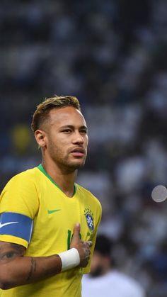 Brazil Football Team, Neymar Football, Football Fans, Football Players, Short Natural Curls, Long To Short Hair, Comb Over Fade Haircut, Girls Talk Boys, Neymar Jr Wallpapers