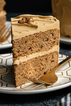 Coffee Walnut Layer Cake - This is a subtle cake: the coffee tempers the sweetness, and the buttery sweetness keeps it all mellow Even if you don't make cakes, this one is a cinch Don't be alarmed if the two sponge layers look thin when you unmold them Cupcakes, Cake Cookies, Cupcake Cakes, Layer Cake Recipes, Layer Cakes, Sponge Cake Recipes, Poke Cakes, Coffee And Walnut Cake, Birthday Cakes