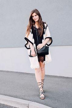 Las sandalias de tiras que cortan la circulación están en las calles ¿tendencia apta o no apta?