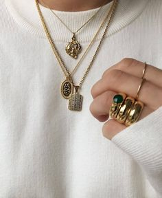 collier fantaisie tendance printemps ete - Our Tutorial and Ideas Cute Jewelry, Gold Jewelry, Jewelry Accessories, Fashion Accessories, Jewelry Necklaces, Fashion Jewelry, Women Jewelry, Cheap Jewelry, Wedding Jewelry