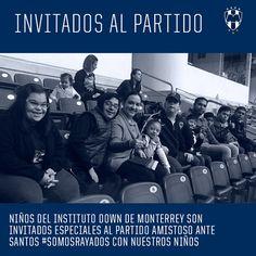 ¡Hoy contamos con la presencia de niños y jóvenes del Instituto Down De Monterrey #SomosRayados con nuestros niños 💙 #ESR