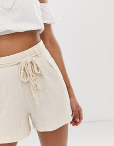 Find the best selection of ASOS DESIGN textured short with rope belt. Shop today with free delivery and returns (Ts&Cs apply) with ASOS! Asos, Belted Shorts, Warm Autumn, Mode Online, Texture Design, Beach Babe, White Shorts, Fashion Online, Short Dresses