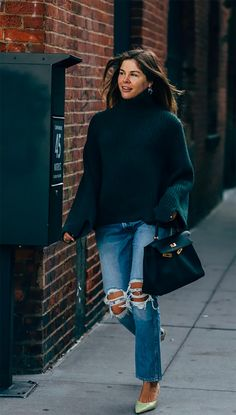 New york fashion 630081804107194294 - Emily Weiss between the style exhibits. The submit New York SS 2020 Street Style: Emily Weiss appeared first on STYLE DU MONDE Mode Outfits, Fashion Outfits, Womens Fashion, Fashion Trends, Workwear Fashion, Fashion Blogs, Petite Fashion, Jeans Rock, Blue Jeans