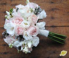 ramo novia vintage  Bridal bouquet  Palabra de www.palmiracompilar.com #homenajeatuangel