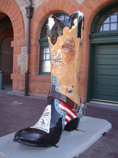 Cheyenne, Wyoming, is home to one of the LARGEST cowboy boot collections, anywhere! At 8' tall, they're a sight to see, and a testament to the true western artists in Wyoming. When you visit Cheyenne, go on a scavenger hunt and find them all. http://www.cheyenne.org/