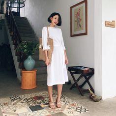 """45 lượt thích, 9 bình luận - sms/viber/whatsapp 0904746743 (@huongng.wardrobe) trên Instagram: """"Váy trắng the19club : 160k ( hết)"""""""