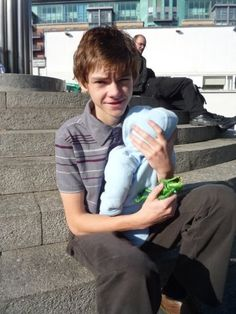 Thomas-Brodie Sangster on the set of Some Dogs Bite (2010).