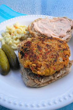 Chickpea Jalapeno Burgers with Sriracha Lime Mayo (V, GF) | Busy Girl Healthy World