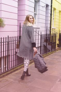 Follow me on Instagram @iida_hellgren    More details on the blog www.commedfilles.blogspot.co.uk Outfit, inspiration, blogger, ootd, fashion, blog, ktz, leggings, mulberry, bayswater, by malene birger, pastels, london, &other stories