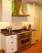25 Efficient Small Kitchen Remodel Ideas for Maximize Tiny Kitchen Kitchen Design Small, One Wall Kitchen, Kitchen Plans, Kitchen Remodel, Kitchen Colour Schemes, Simple Kitchen Design, Small Kitchen Colors, Modern Kitchen Design, Tiny Kitchen