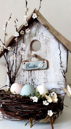 DIY Easter Bird House (translate button on the left) #decorativebirdhouses