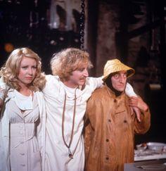 O Jovem Frankenstein (1974) / Teri Garr, Gene Wilder, and Marty Feldman.