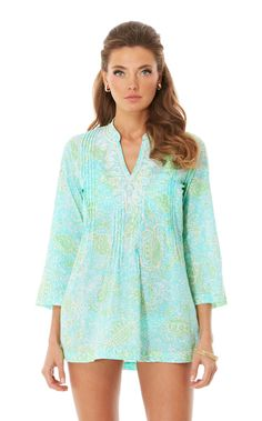 Lilly Pulitzer Sarasota Beaded Tunic in Get Crackin Preppy Must Haves, Preppy Style, My Style, Dressed To The Nines, Down South, Nice Tops, Fashion Boutique, Spring Summer Fashion, Dress To Impress
