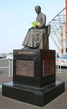 Brother Walfrid Celtic Fc, Glasgow Scotland, Football Team, Badges, Paradise, Brother, Lion Sculpture, Club, Statue