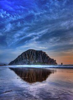✮ Reflection of Morro Rock in Morro Bay - California