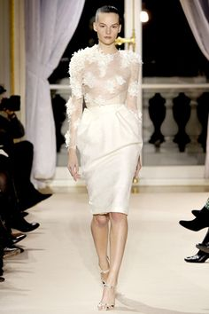 Giambattista Valli - Spring 2012 Couture  http://www.style.com/fashionshows/review/S2012CTR-VALLI