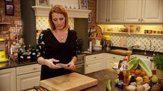 Video: Video: Gebakken pijlinktvis met udon noedels, komkommer en Romeinse sla