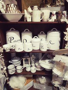 Aj tieto kúsky najdete u nás na: www.carodomova.eu product Coffee, Tableware, Home Decor, Self, Kaffee, Homemade Home Decor, Dinnerware, Dishes, Interior Design