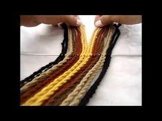 Repetir los pasos hasta el largo deseado Hilo crochet o hilo hobby Agujas plasticas (AGUJA ESTAMBRERA PLASTICO) Cada hilo sin torcer debe medir aprox 4 a 6 m...