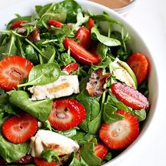 tavuk & ıspanak & çilek salatası!   #tavuk #chicken #ispanak #spinach #cilek #strawberry #salata #salad