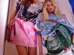 Squinzie/Squitinzie con borse Naj Oleari anni 80 Preppy, Style, Fashion, Swag, Moda, Fashion Styles, Preppy Style, Fashion Illustrations, Outfits