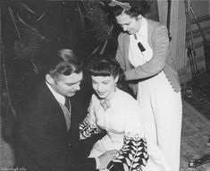 Clark Gable and Vivian Leigh on the set of 'GWTW'