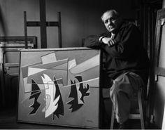 Alberto Maghnelli con una delle sue opere
