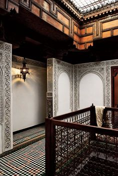 "This traditionally restored ""dar,"" or house, retains all the original tilework."