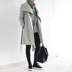Reingeschlüpft - Mango Coat, H&M Knitwear, Hallhuber Coated Jeans, Converse Shoes, H&M Bag - Shades of Grey