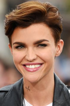 Very Short Pixie Haircuts New Short Blonde Hairstyles ...