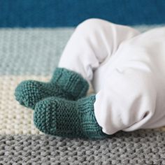 handmade knitted baby booties wool choose your color by nanoutriko