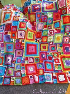 Babette Blanket - Beautiful, what an Inspiration:  More at http://www.flickr.com/photos/catherinesattic/sets/72157624736007432/