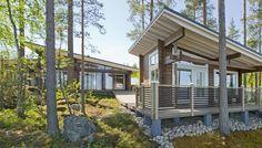 Vuoden 2015 suosituin mökkimalli Honka Kippari on tyylikäs ja tilava. Pergola, Outdoor Structures, Log Cabins, House Styles, Houses, Home Decor, Homes, Decoration Home, Room Decor