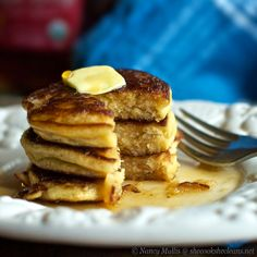fluffy coconut flour pancakes These are so fluffy, delicious and feels like eating cake and lots of carbs but you're not. Win, win.
