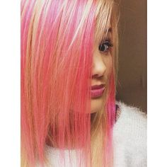 Is it weird that we kind of like Olivia Holt's new pink hair? http://www.twistmagazine.com/posts/stars-dye-their-hair-crazy-colors-for-fall-17184/photos/olivia-holt-10413