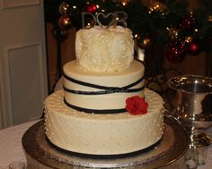 I LOVE THE LAYERS AND TEXTURES-WhoMadeTheCake.com - Houston Cakes by Nadine Moon