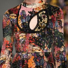 patternprints journal: PATTERNS, PRINTS, TEXTURES AND SURFACES INTO F/W 2017-18 FASHION COLLECTIONS / LONDON 3 - Erdem