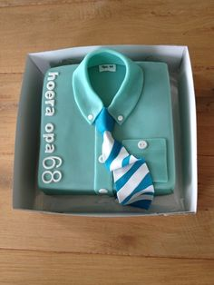 Marsepein taart met stropdas