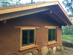 Mud House, House Roof, Cob House Plans, Earth Bag Homes, Recycled House, Natural Homes, Natural Building, Manzanita, Mountain Homes