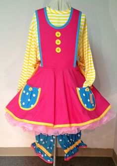 pinafore Clown Dress, Circus Crafts, New Outfits, Fashion Outfits, Send In The Clowns, Clowning Around, Trunk Or Treat, Clown Makeup, Kids Shows