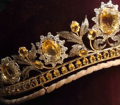 Detail view of the tiara from the Queen of Sheba Parure. Large honey-colored diamonds, white brilliant-cut diamonds, smaller honey-colored diamonds, rose-cut and old-cut diamonds set in yellow and white gold. It was designed specially for Lady Colin Campbell. The parure consists of a tiara, necklace, long-drop earrings, ring, and bracelet.