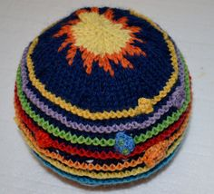 Solar System Hat от FromTopToBottoms на Etsy