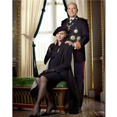 Official photo of Prince Albert and Princess Charlene during National Day 2014