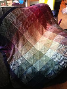 Ravelry: EmilyofMoon's Hue Shift Afghan -- utterly stunning!