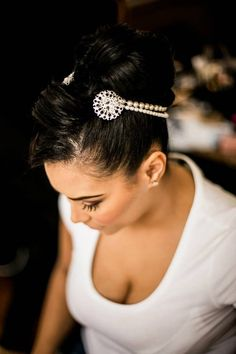 Well hello there gorgeous! It's that time of week! So the Nu Bride Birthday Giveaway continues with our next gorgeous competition prize. African American Weddings, Vendor Events, Bridal Gifts, Bridal Accessories, Hair Pieces, Bridal Style, Bridal Hairpiece, Bridal Bouquets, Compliments