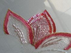 Tambour Beading, Tambour Embroidery, Couture Embroidery, Silk Ribbon Embroidery, Beaded Embroidery, Embroidery Stitches, Embroidery Designs, Bordados Tambour, Diy Broderie
