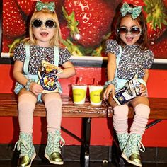 When you and your bestie have the same smoothie order! These fashion sweeties love the Strawberry Wave from Juice It Up! @ForEverAndForAva on IG.